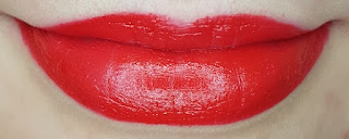 Avon mark. Epic Lip Lipstick in Red Extreme