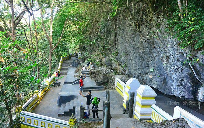 Gua Selarong dipotret dari salah satu tebing