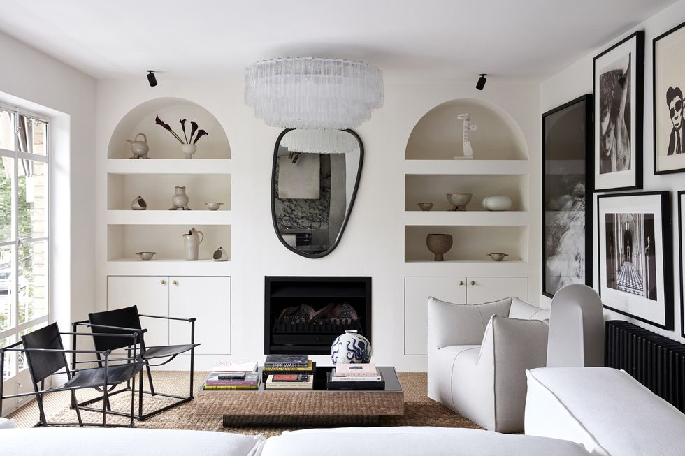 An impeccable black and white apartment in Australia