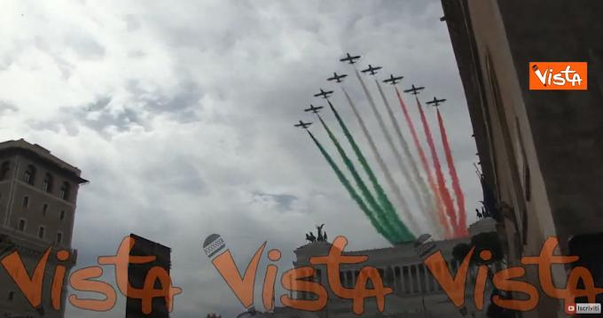 2 giugno, le Frecce Tricolori colorano il cielo di Roma, spettacolo a Piazza Venezia