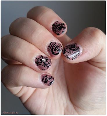 nude lace nail art
