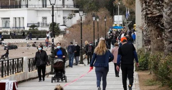 Οι Αθηναίοι αγνοούν εντελώς κυβέρνηση & λοιμωξιολόγους: Βγήκαν μαζικά για βόλτα - Έχασαν κάθε εμπιστοσύνη