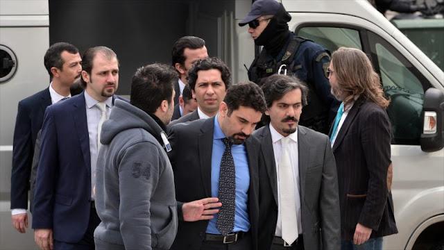 Supremo griego rechaza extradición de 8 militares a Turquía