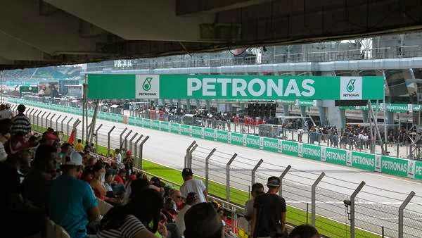 F1 Petronas Malaysia Grand Prix 2014 - A View From Grandstand Crystal