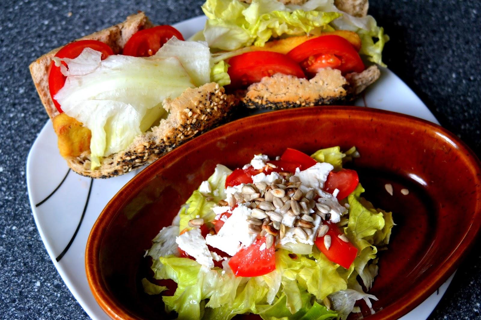 tomate tofu brötchen salat schafskäse