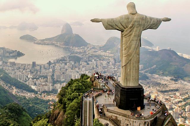 Les habitants de Rio, les habitants de Buenos Aires, les habitants de Caracas…