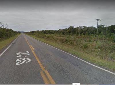 Carro atropelou três pessoas na estrada que liga Iguape a Pariquera-Açu