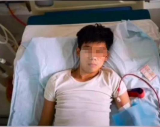 Gây xôn xao MXH Trung Quốc vì bán thận mua iPhone 4, 9 năm sau thanh niên này có cuộc sống ra sao?