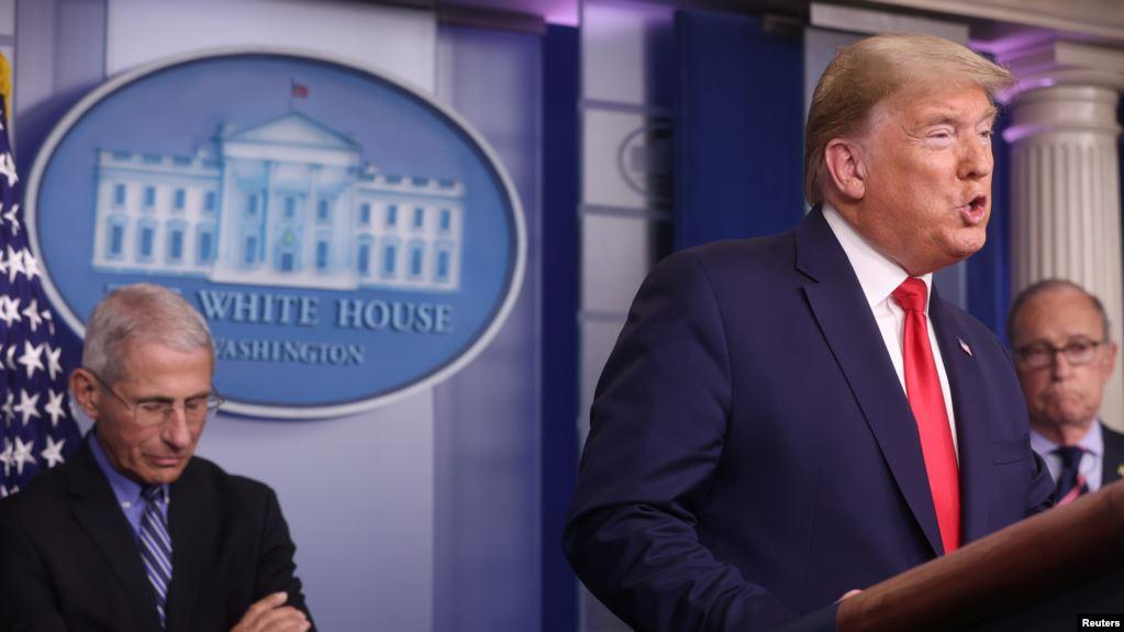 El presidente Trump reiteró que quisiera reabrir partes de la economía cerrada por la pandemia del coronavirus, de ser posible para el domingo de Pascua, el 12 de abril, pero funcionarios de salud creen que la fecha debe ser flexible / REUTERS