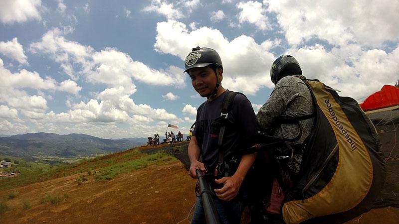 Paragliding Ranau bersama instructor