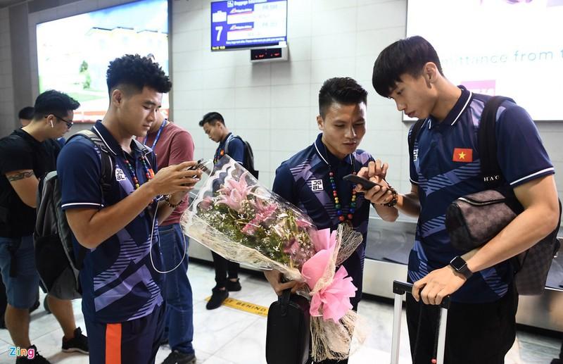 Ngoài áo đấu chính thức do Grand Sport sản xuất, các cầu thủ U22 Việt Nam tham gia SEA Games 2019 còn sử dụng trang phục di chuyển củaJogarbola. Thương hiệu Nhật Bản này là nhà tài trợ trang phục cho đoàn thể thao Việt Nam tại SEA Games 30.