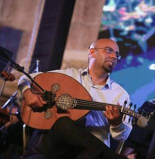 عازف عود و ملحن و مؤلف موسيقي أردني، مزداد سنة 1983 في عمان تعلق بآلة العود منذ طفولته فبدأ تعلمها بسن الحادية عشر، بالفرع التحضيري في الأكاديمية الأردنية للموسيقى.