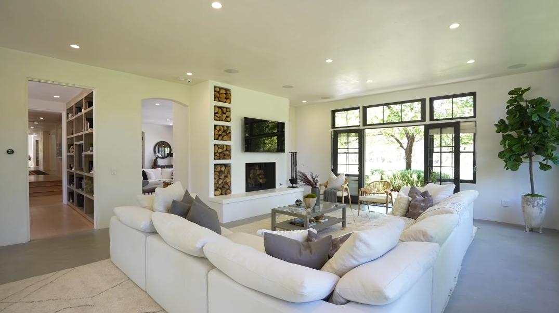 45 Photos vs. Tour 28929 Bison Ct, Malibu Interior Design of James Perse's Former Home