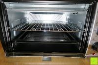 Gitter mittig: Andrew James – 23 Liter Mini Ofen und Grill mit 2 Kochplatten in Schwarz – 2900 Watt – 2 Jahre Garantie