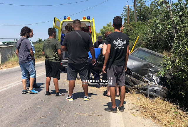 Σοβαρό τροχαίο έξω από το Άργος - Εγκλωβισμένος τραυματίας