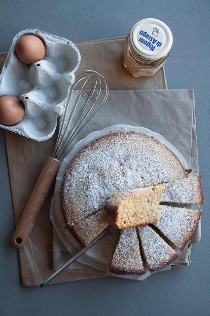 Torta integrale con yogurt e miele