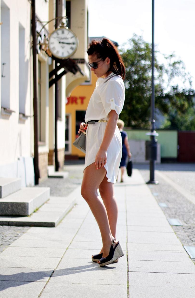 sukienka, koszula, zwiewna, solano, okulary przeciwsłoneczne, koturny hilfiger, tommy hilfiger, emery, elena, fashion, długie włosy, spięte włosy, kasztanowy brąz,