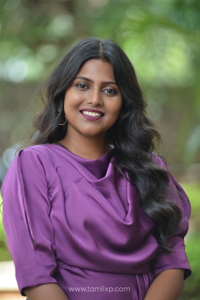 Telugu Actress Praneetha Patnaik Images