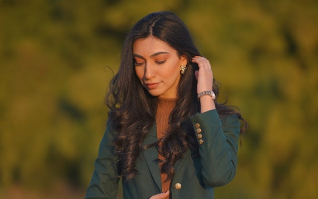 Amina Sultan is a Pakistani model and social media influencer.