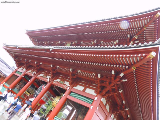 Puerta Hozomon del Templo Sensoji en Asakusa, Tokio