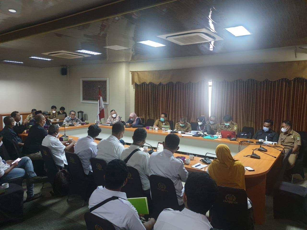 Kritik Banyak Bangli di Bantaran Kali, Komisi III : Kok Aneh, PJT II Tidak Bisa Membongkar
