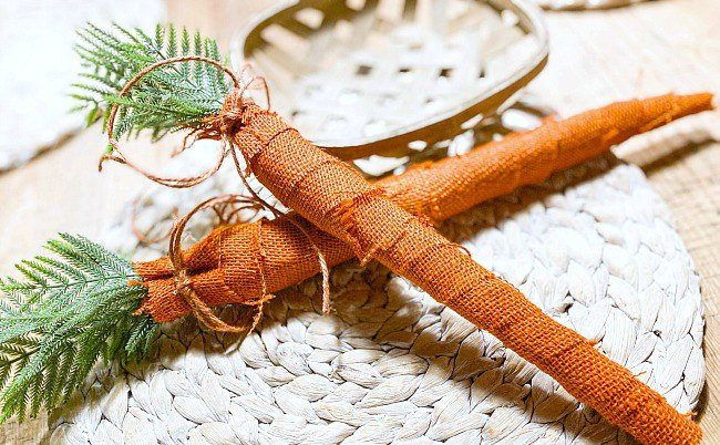 DIY Wrapped burlap carrots for an Easter Wreath