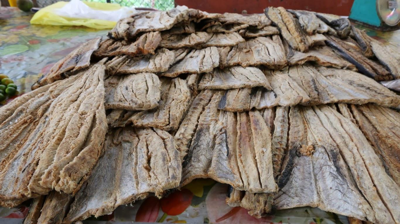 Fischmarkt Victoria, getrockneter Fisch (C) JUREBU