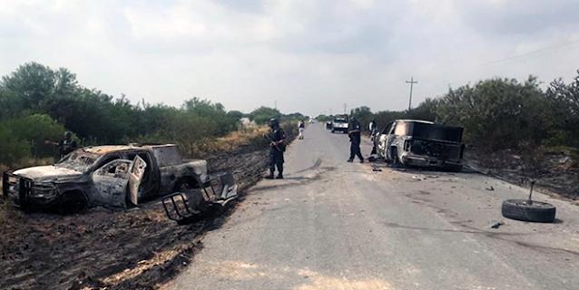 """""""MAS de 25 MUERTOS y se LLEVAN los CADAVERES"""": EL """"PRIMITO"""" se """"TOPETEA con ZETAS del NORESTE""""...convoyes de hasta 25 camionetas que nadie vio siembran terror."""