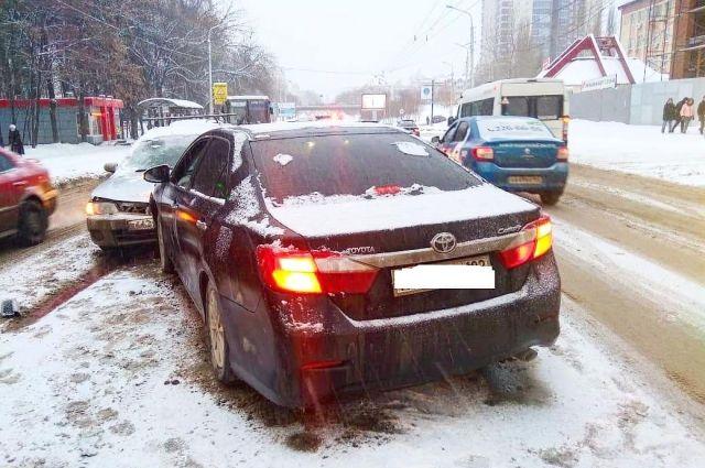 В лобовом столкновении автомобилей пострадал 4-месячный малыш