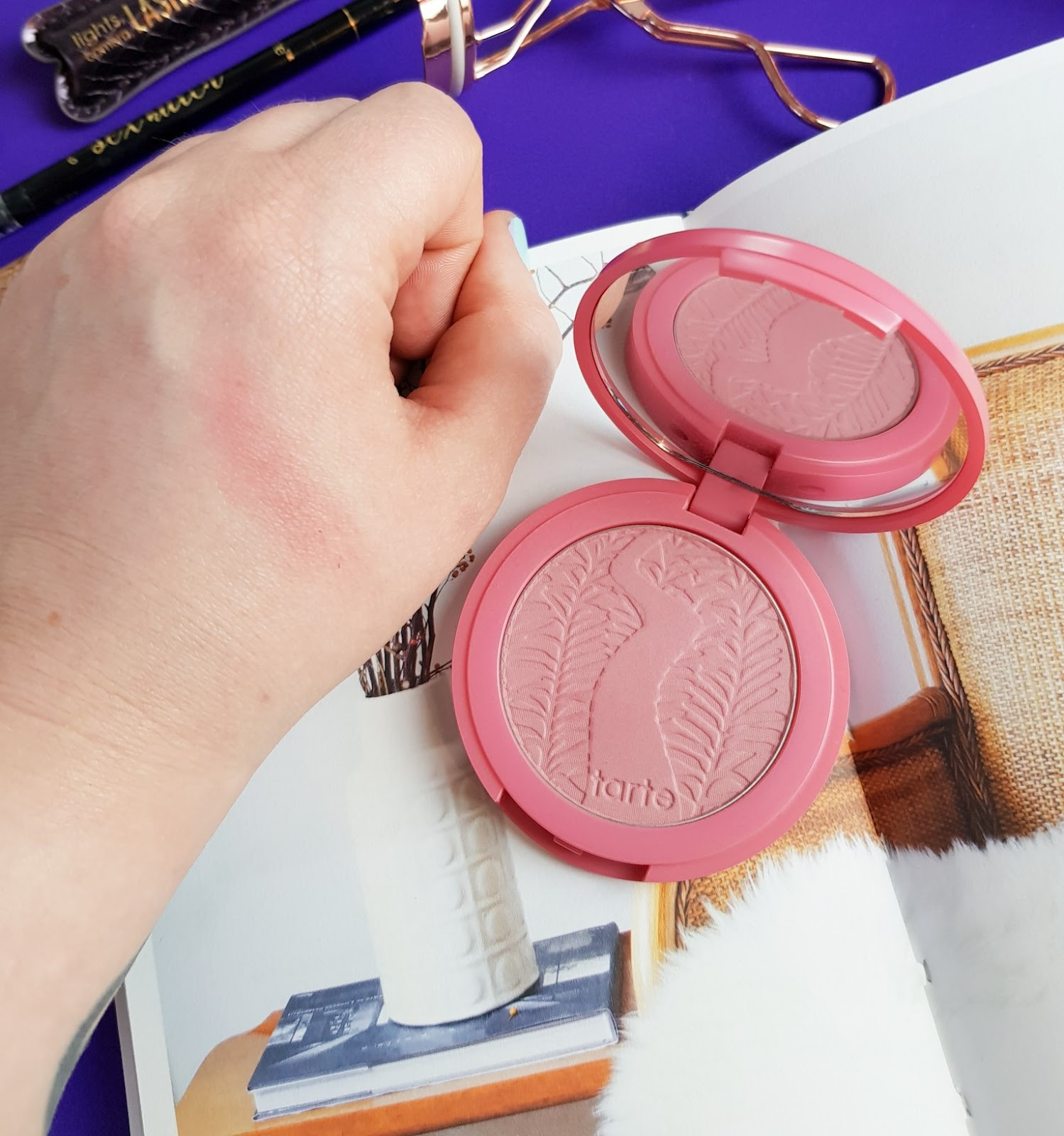 Tarte Make Up Blush Amazonian Clay 12-hour Blush in shade Blushing Bride (rosy pink)