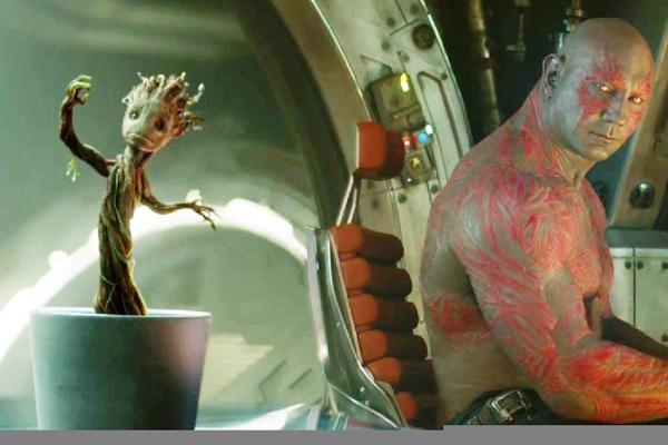 Baby Groot dancing in pot