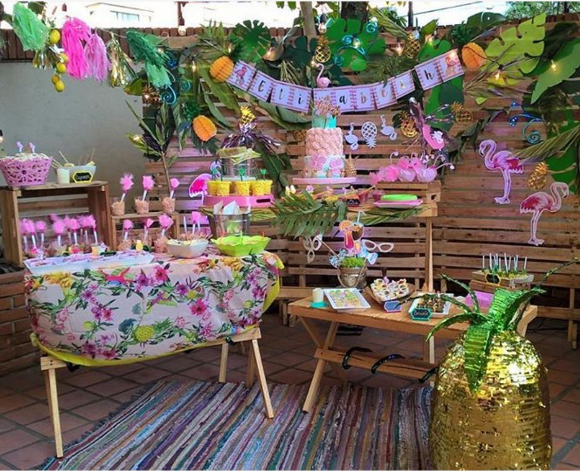 101 fiestas ideas para una fiesta tropical para tus 15 a os for Decoracion xv anos en jardin