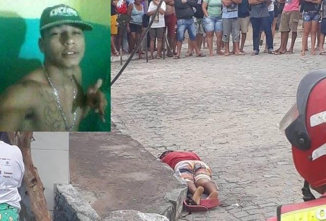 Jovem é assassinado a tiros na rua das Flores, entre os bairros Salgado e Riachão, em Caruaru, PE
