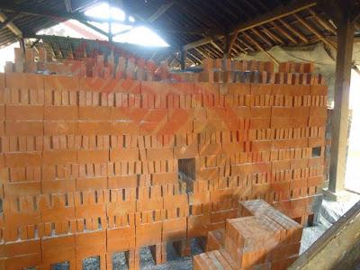 batu bata merah jumbo pembakaran