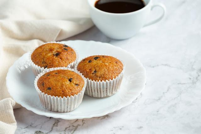 Muffin allo yogurt con pezzetti di cioccolato