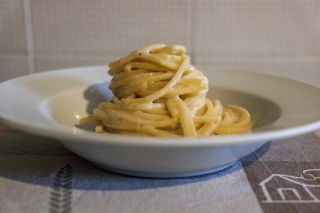 Spaghetto quadrato cacio e pepe cremoso
