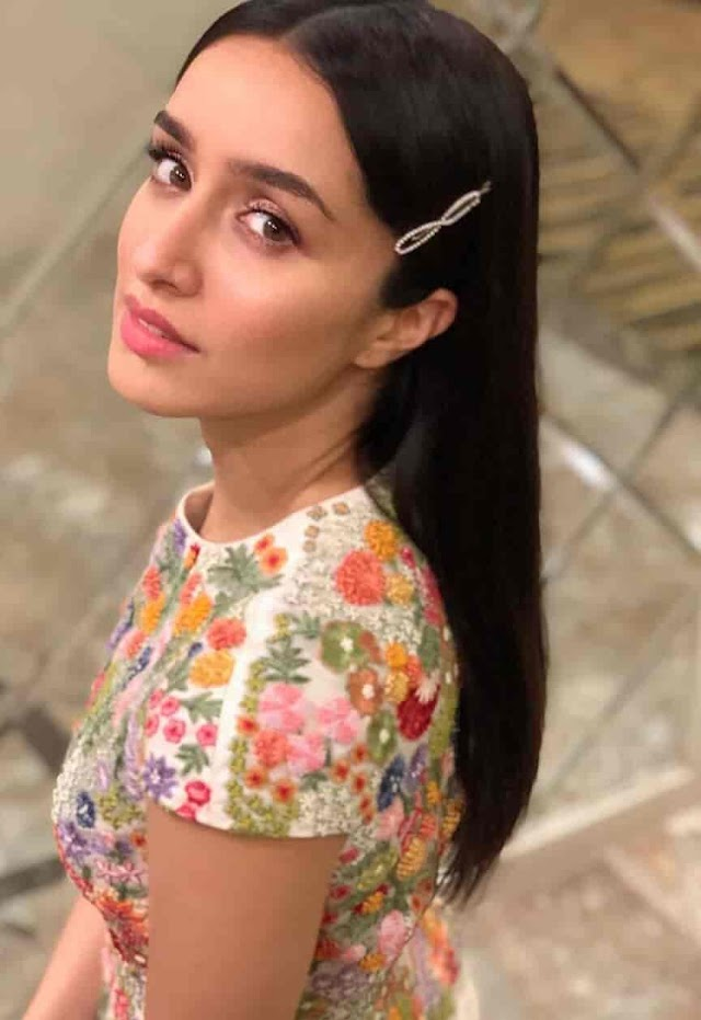 Shraddha Kapoor Biography, Age, Height, Height In Feet, Boyfriend, Husband, Family, & More