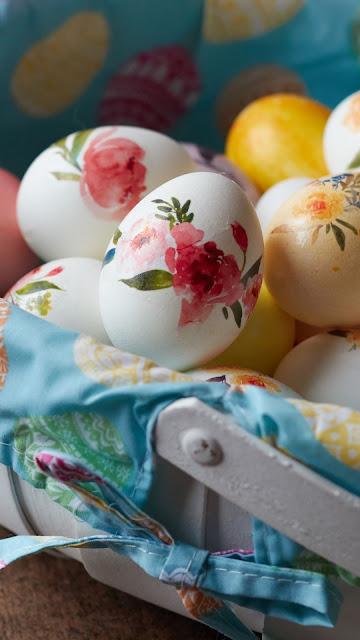 Wallpaper for free Easter eggs, colorful eggs, basket