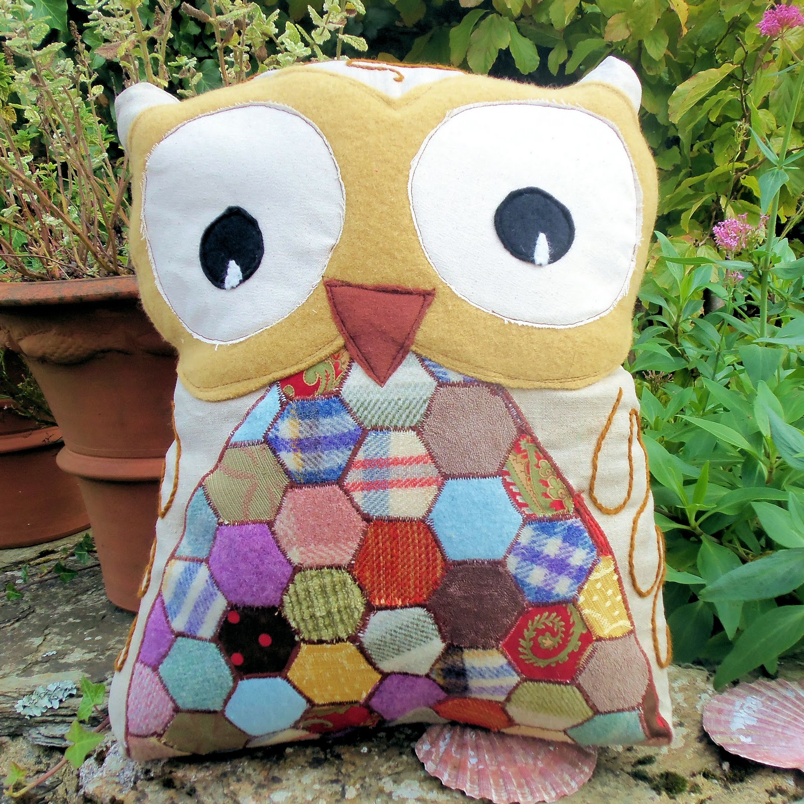 Bustle And Sew Free Hoots Owl Pattern And Accuquilt Go