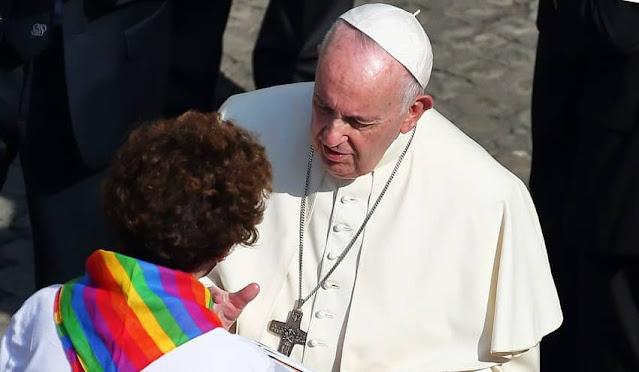 El papa Francisco respalda matrimoio gay