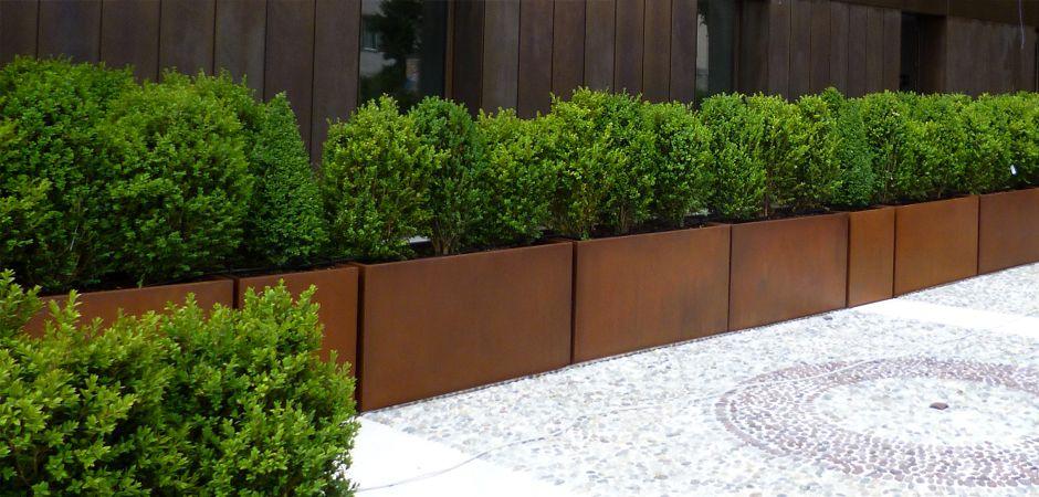 Progettare spazi verdi arredamento terrazzo fioriere in for Bambu in vaso prezzo