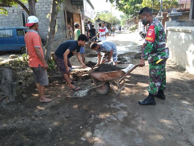 Babinsa Koramil 23/Ceper Bangkitkan Semangat Gotong Royong