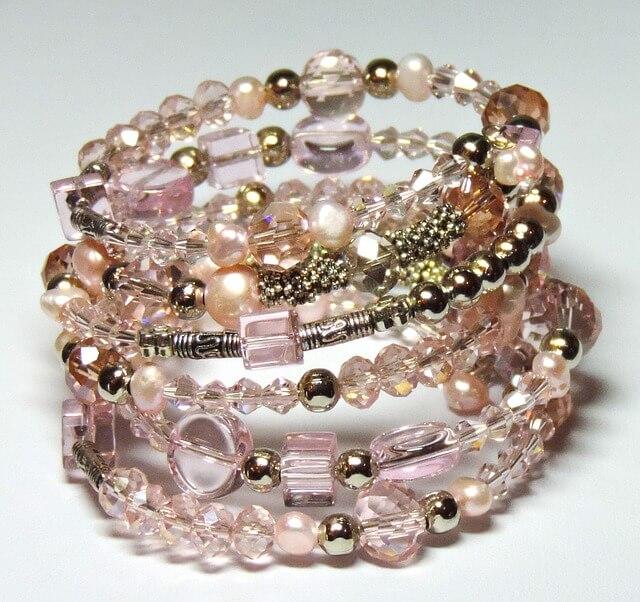 A Unique Type Of Charm Bracelet | shop sites