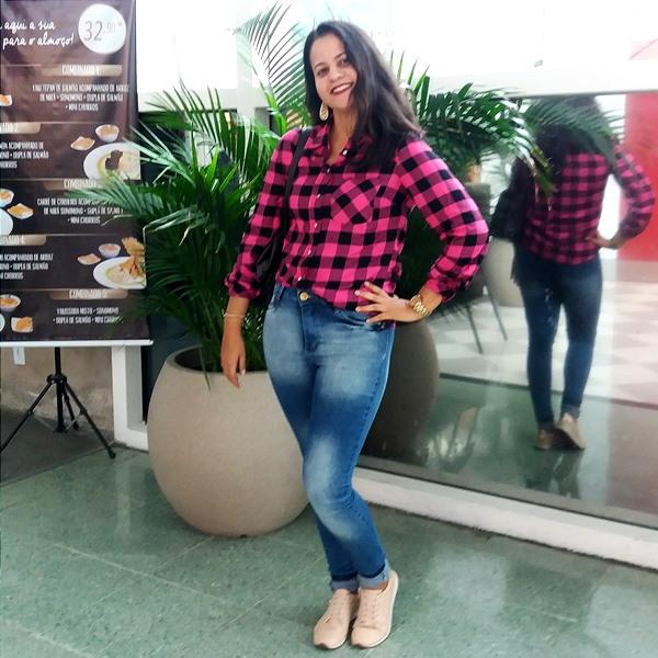 Look-do-dia-com-calça-jeans-skinny-e-blusa-xadrez