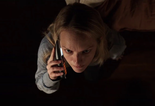 """Elisabeth Moss é perseguida no trailer do terror """"O Homem Invisível"""""""