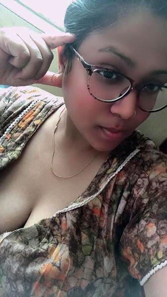 Bangladeshi CTG Sexy Girl Selfie Pics