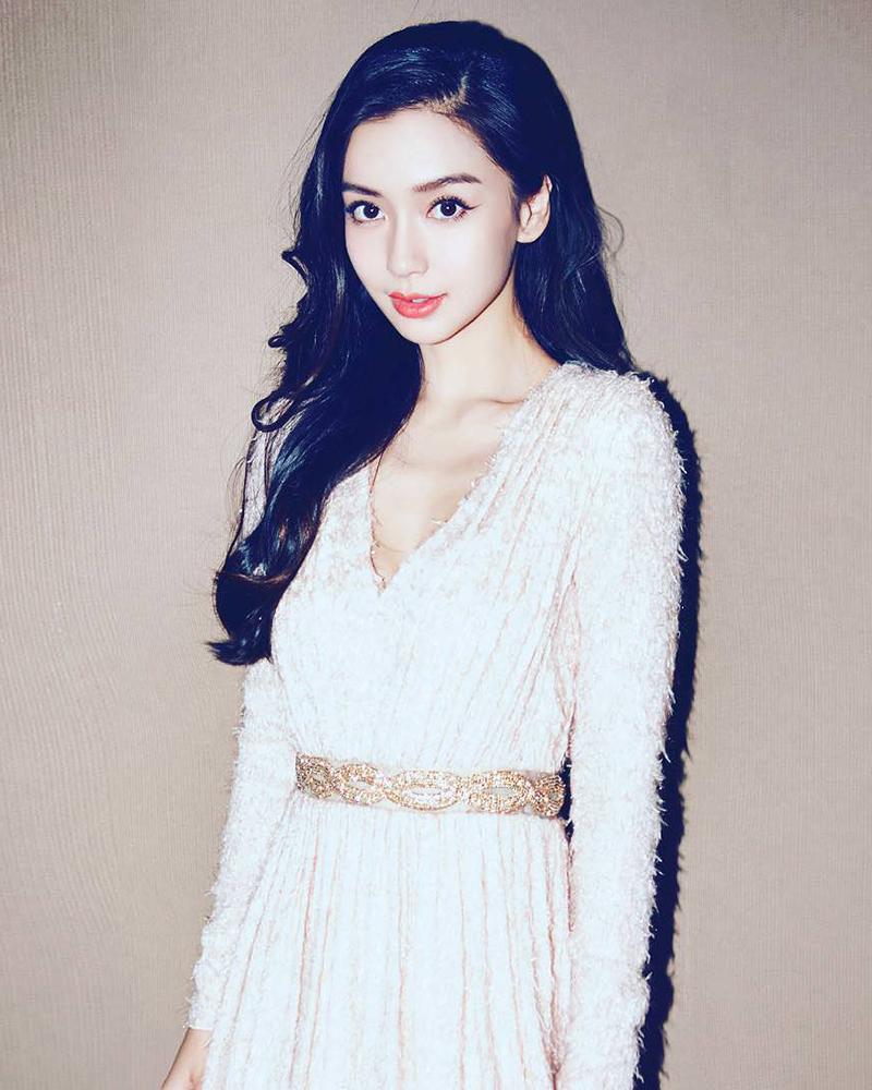 Angela Yeung Wing cewek manis dan seksi imut cewek cantik dan indah rambut hitam polos