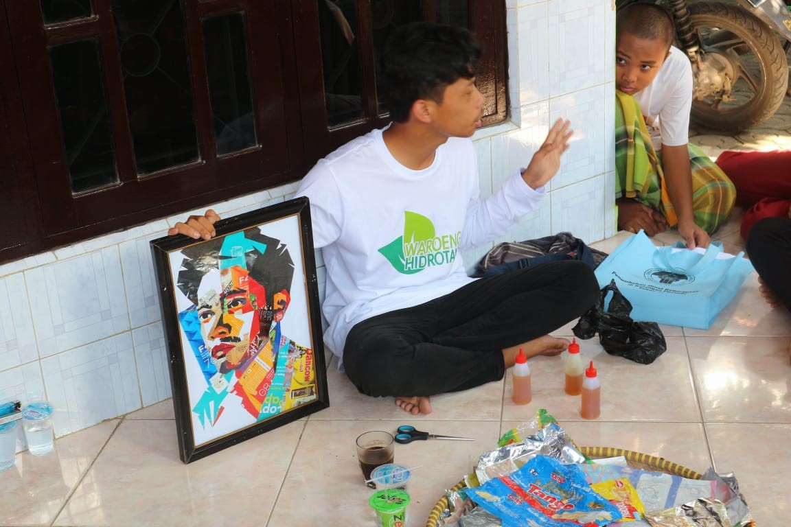 Waste Art - pemanfaatan sampah menjadi kerajinan tangan