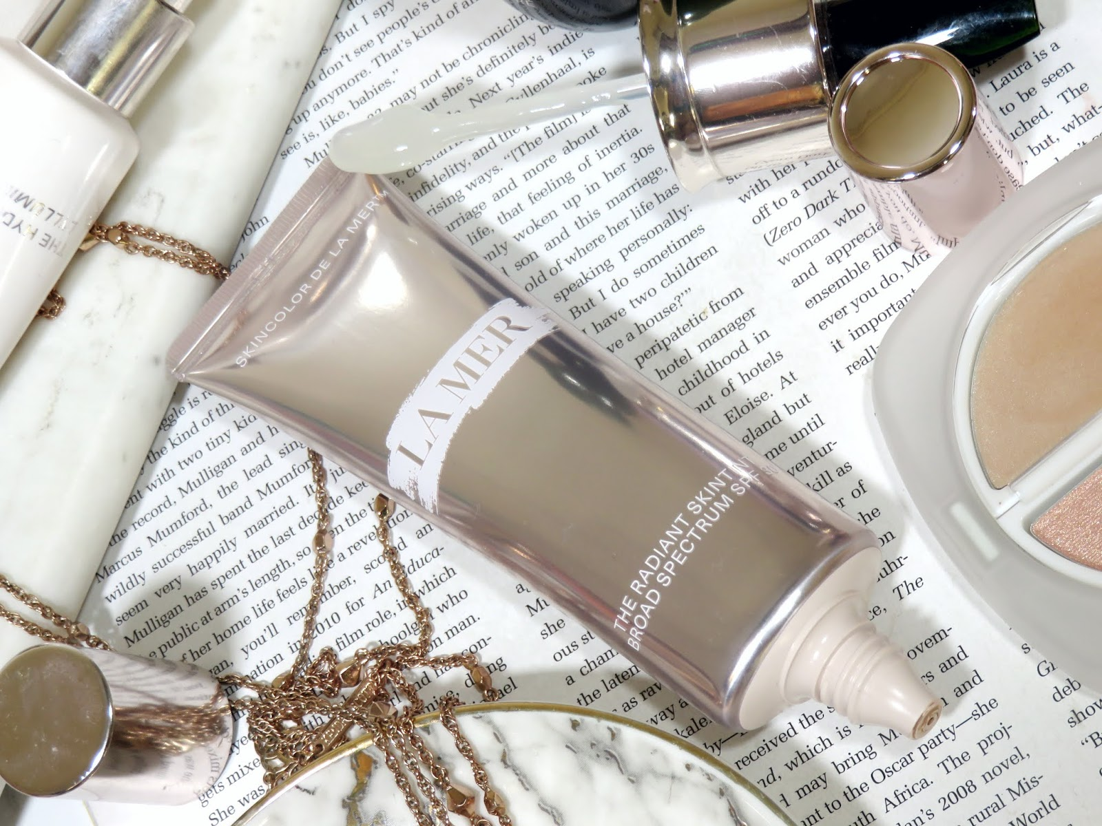 La Mer The Radiant SkinTint SPF 30 Review and Swatches