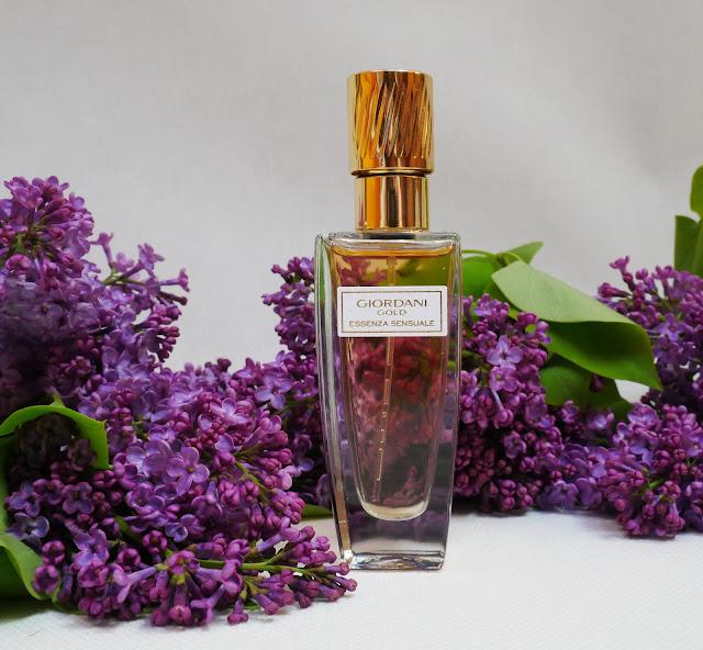 Przepiękne kobiece perfumy w formie esencji Giordani Gold Essenza Sensuale